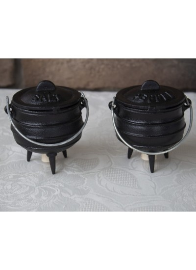 Mini Potjie Salt and Pepper Shakers at Potjie Pots Cast Iron Cookware, Cast Iron Cooking Pots, Potjie Pots, Cauldrons, Large Stew Pots, Camping Gear